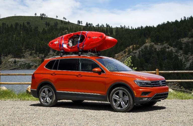 2018 Volkswagen Tiguan Carrying Two Kayaks