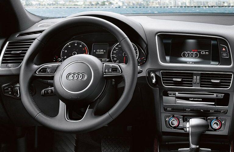 2016 Volkswagen Touareg Vs 2016 Audi Q5