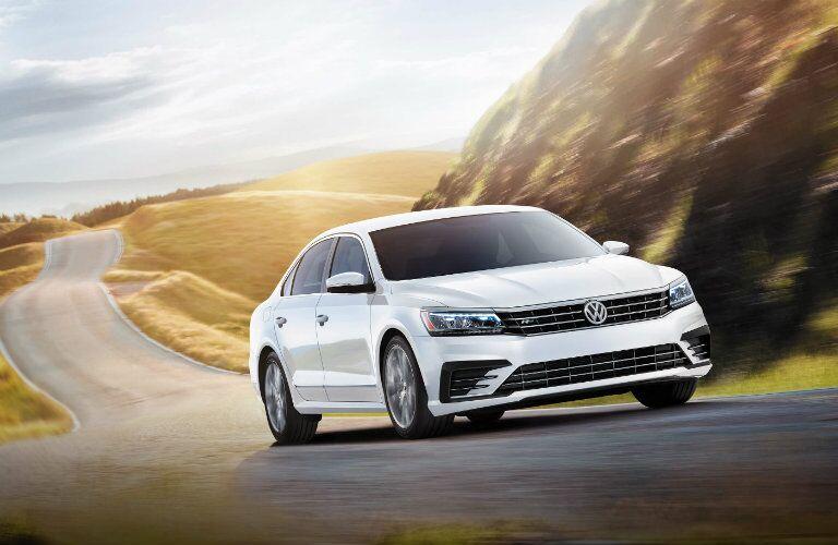 2016 Volkswagen Passat R-Line in Pure White