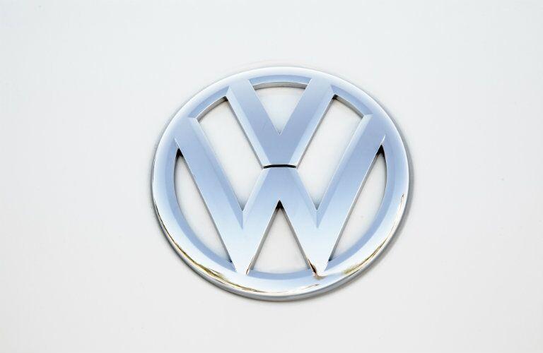 2016 Volkswagen Beetle Convertible Metallic Logo
