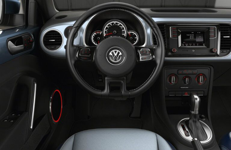 blue dashboard color and features in 2016 vw beetle denim