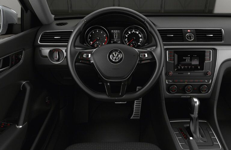interior features and design in the 2016 vw passat r-line
