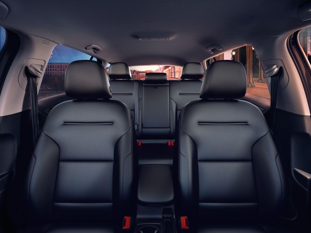 2017 Volkswagen Golf Alltrack interior