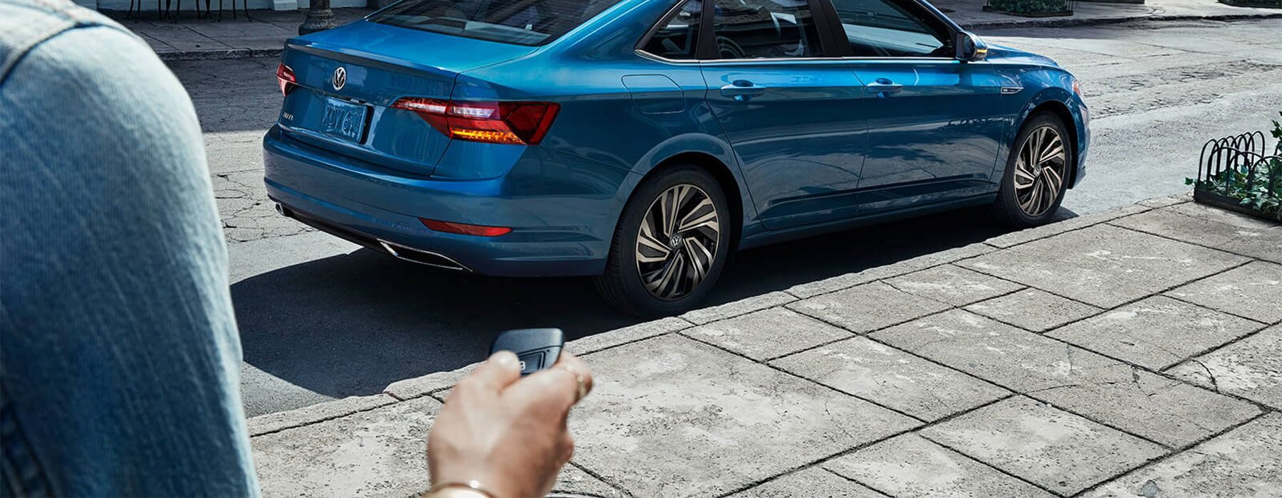 2019 Volkswagen Jetta With Hand Holding Key