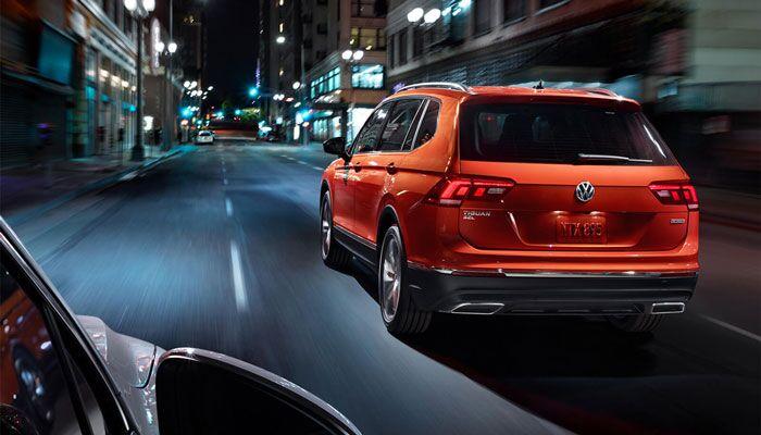 2019 Volkswagen Tiguan Driving on Road