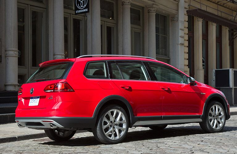Rear/side profile of red 2017 Volkswagen Golf Alltrack