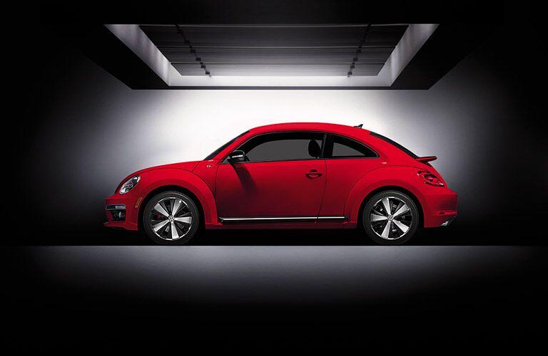 2016 Volkswagen Beetle in red