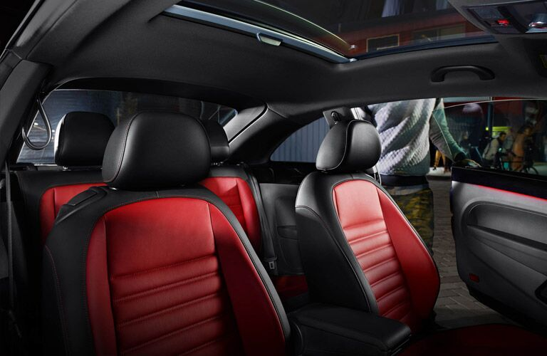 two tone black and red seats in 2016 vw beetle