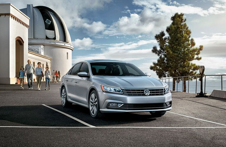 2016 vw passat facelifted design features in silver color