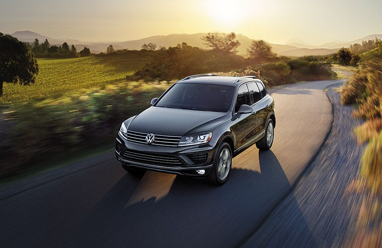 2016 vw touareg driving down back country roads