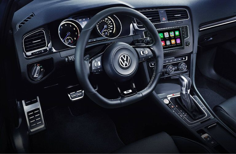 2017 vw golf r with apple carplay