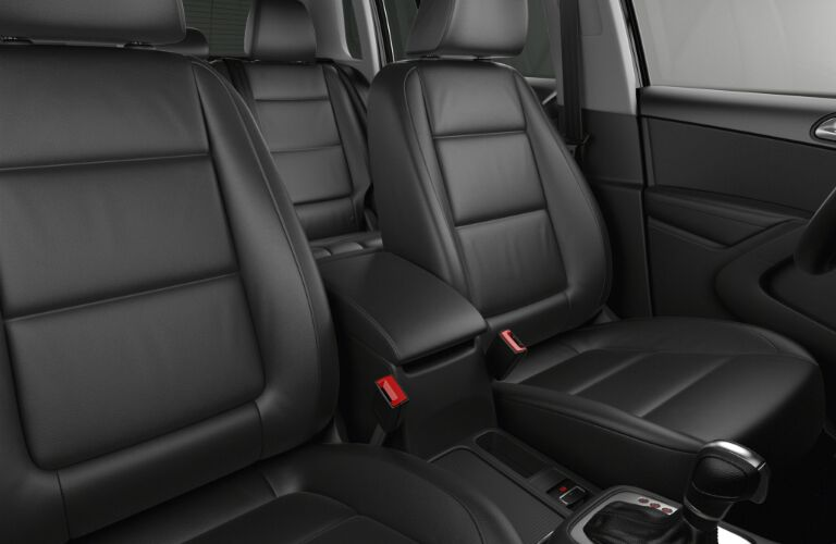 seat material and design on 2017 vw tiguan sel