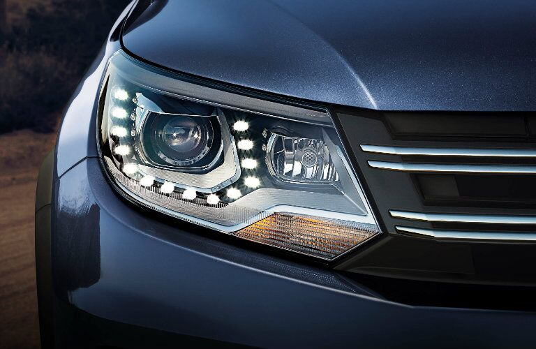vw tiguan headlights design with daytime running lights