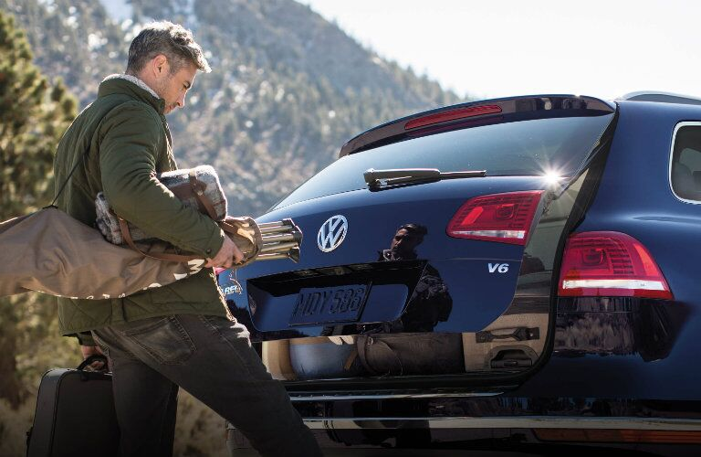 2017 vw touareg with hands free easy open liftgate
