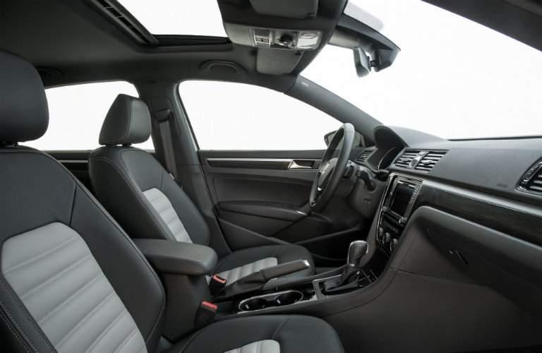 Front seats and dash of 2018 Volkswagen Passat