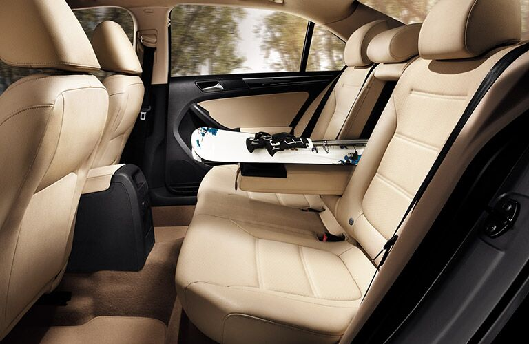2016 vw jetta rear seat legroom and passenger space