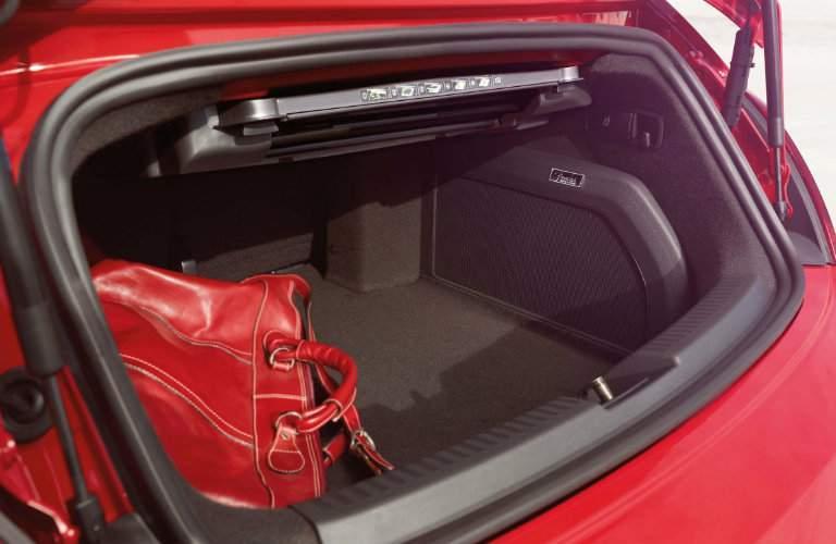 2017 volkswagen beetle convertible truck cargo space