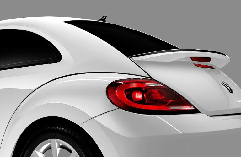 2017 vw beetle with spoiler in white