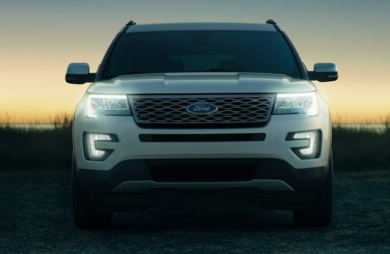 Ford Explorer in White Front End View