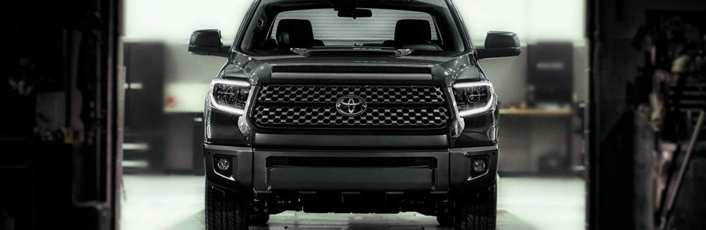 Front End View of the 2018 Toyota Tundra TRD Sport and Grille Close-Up