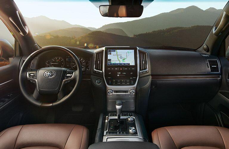 2016 Toyota Land Cruiser interior front cabin_o