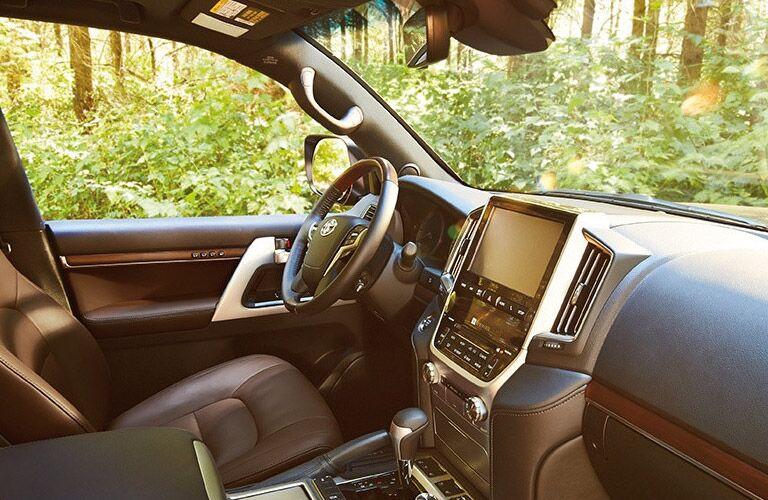 2016 Toyota Land Cruiser steering wheel_o