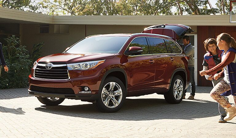 Toyota Highlander with Trunk Open in Red