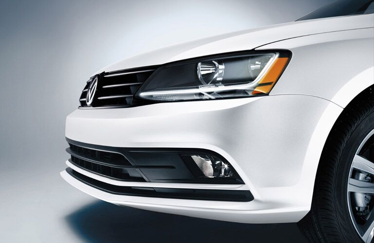 Close up of the 2017 Volkswagen Jetta's grille