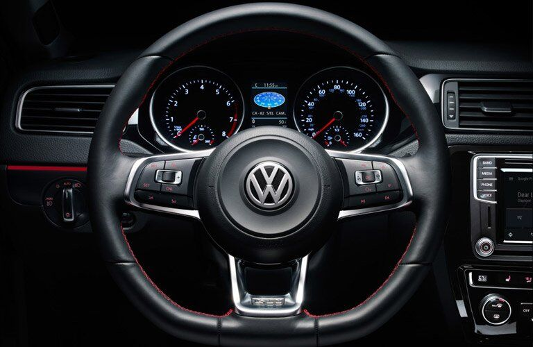 2017 vw jetta steering wheel design