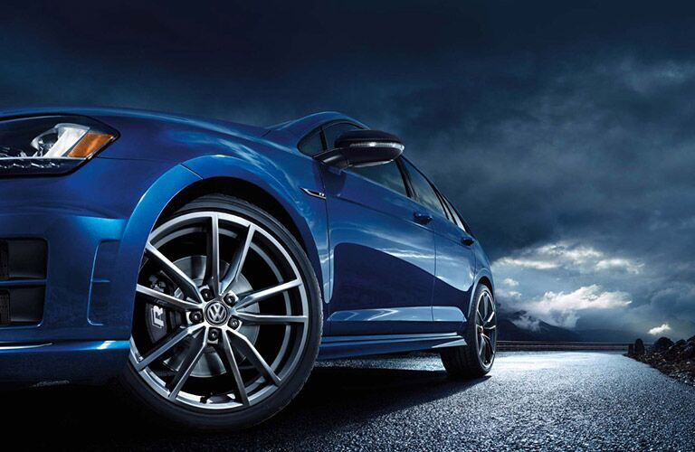 Close up of the 2017 Volkswagen Golf R from the front tire
