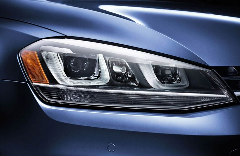 Close up of the 2017 Volkswagen Golf SportWagen's headlight