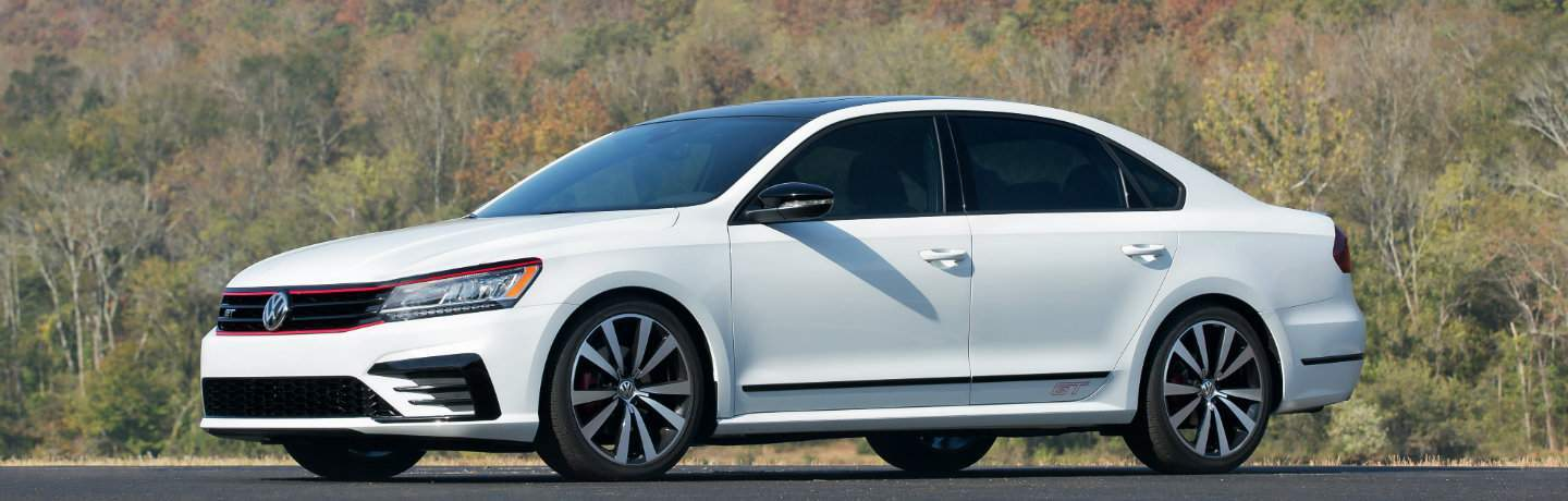 2018 Volkswagen Passat GT Trim level in white