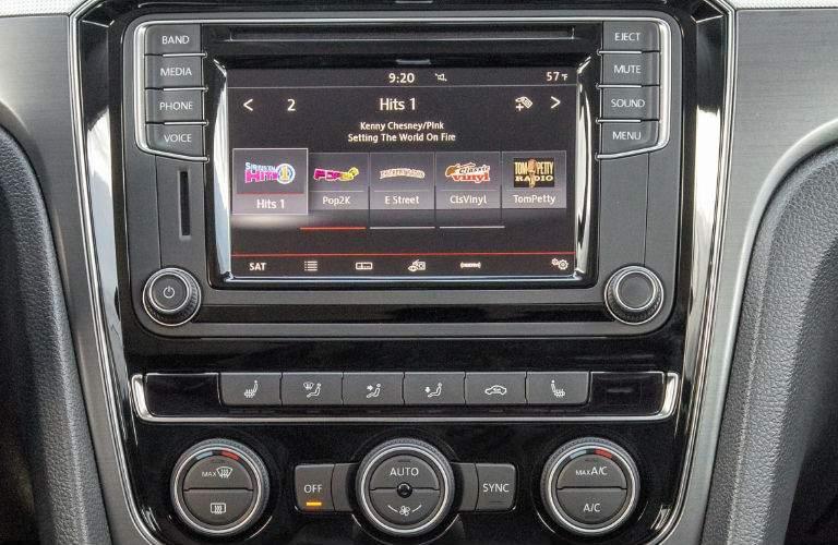 2018 Volkswagen Passat 6.3 inch touchscreen system