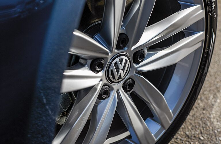 2016 Volkswagen Golf wheel rim options