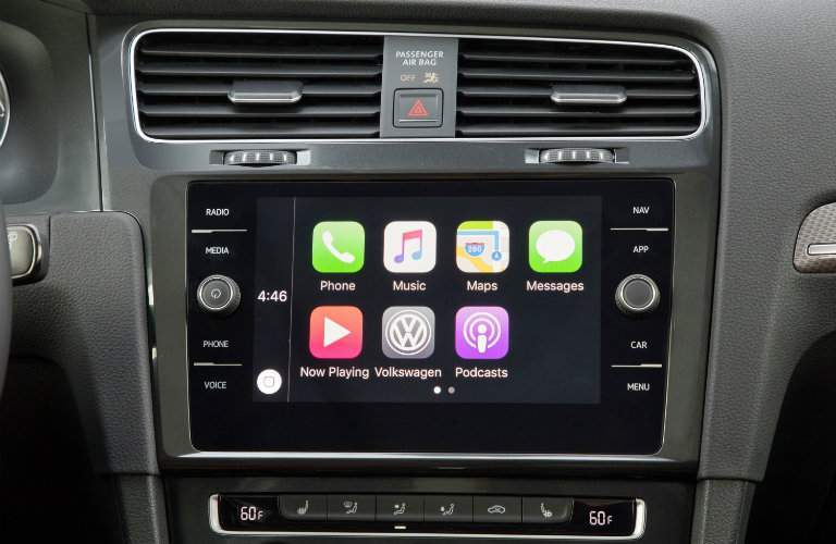 2018 Volkswagen Golf Alltrack infotainment system screen