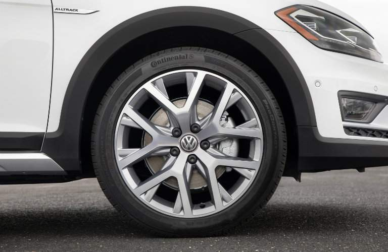 2018 Volkswagen Golf Alltrack closeup of front tire