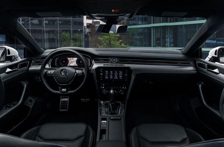 2020 Volkswagen dash and wheel view