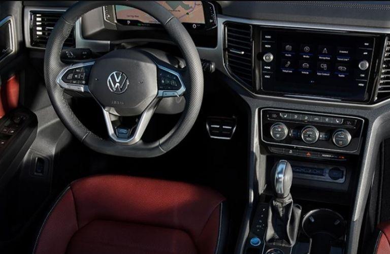 2021 Volkswagen Atlas Cross Sport dash and wheel