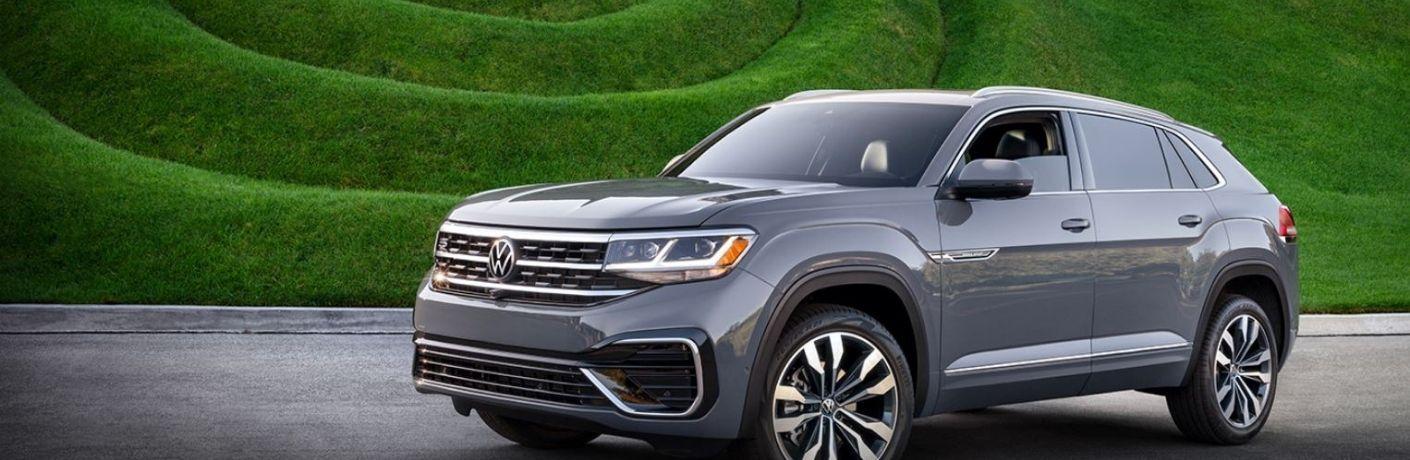 2021 Volkswagen Atlas Cross Sport parked front view