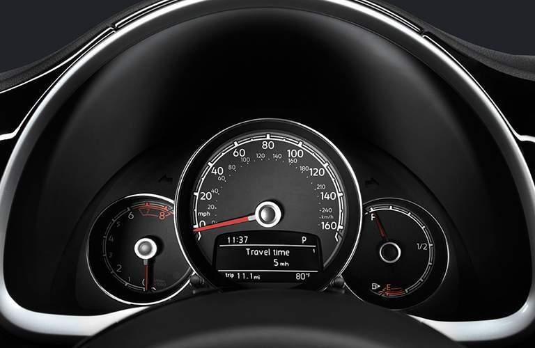 2018 Volkswagen Beetle Convertible retro gauges