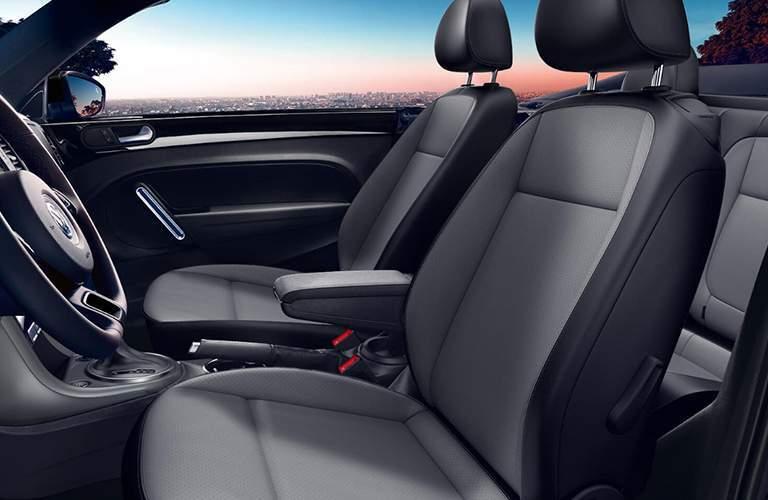 2018 Volkswagen Beetle Convertible front seats