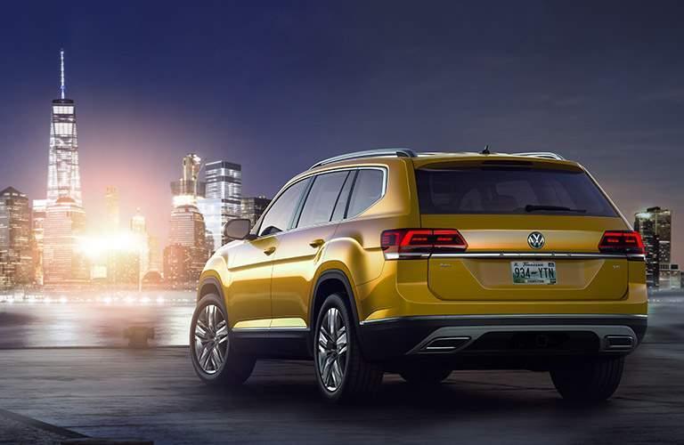 2018 Volkswagen Atlas with View of City Skyline