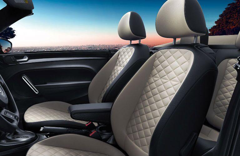 2019 Volkswagen BeetleConvertible front passenger seats