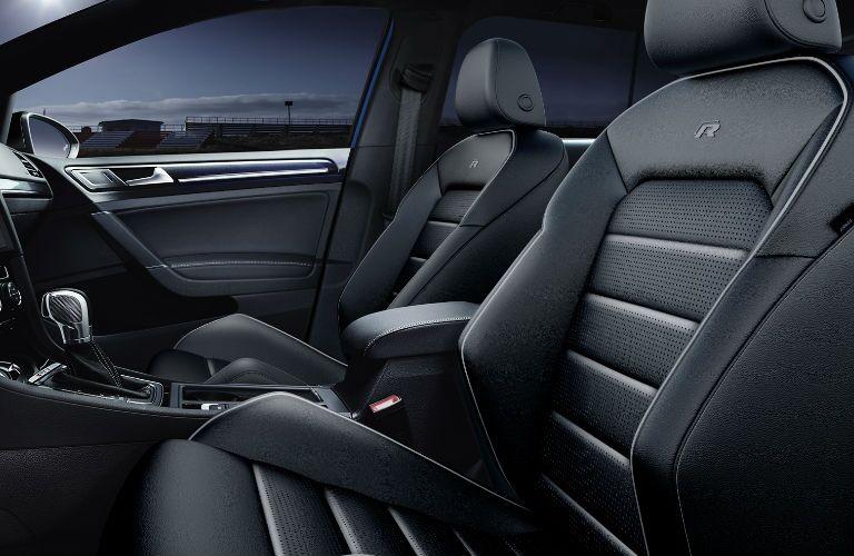 2019 Volkswagen Golf R front passenger seats