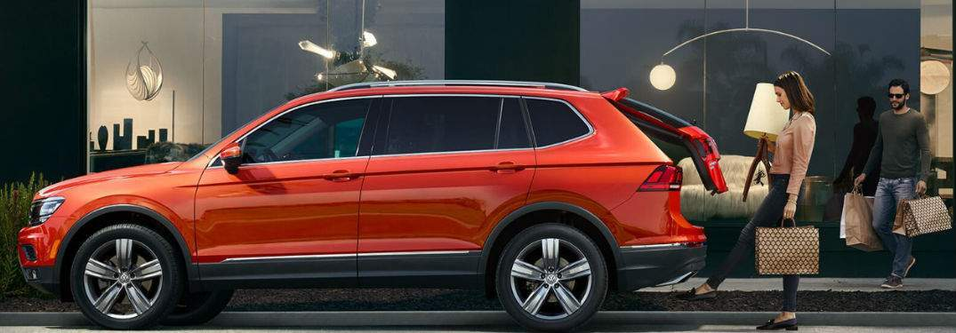 A profile view of the 2018 VW Tiguan wearing orange paint