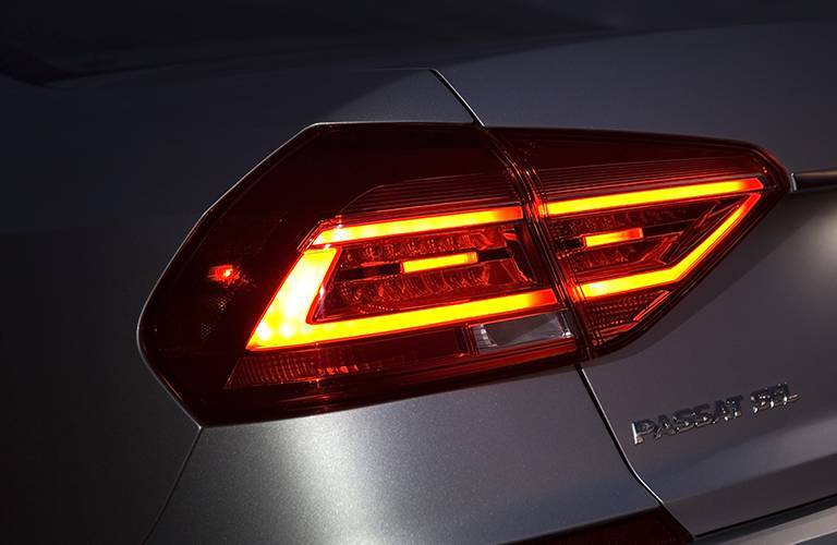 tail lights on the 2016 vw passat in silver paint color