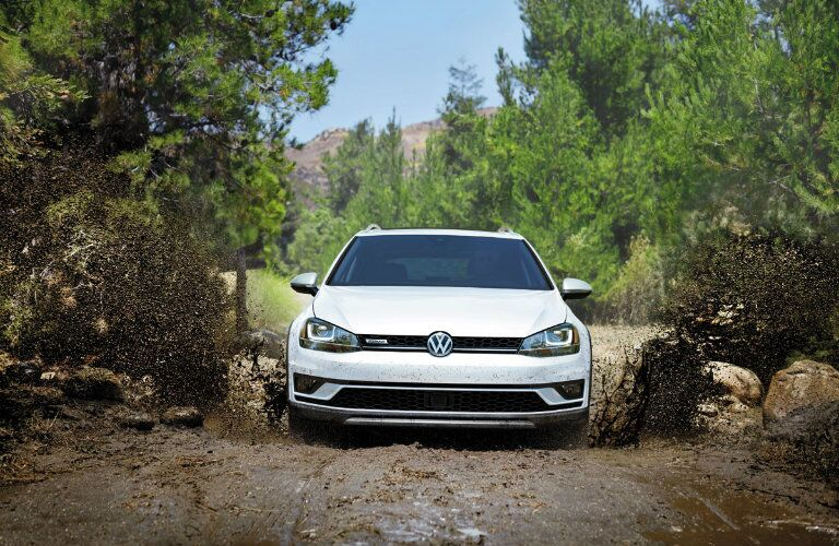 2017 Volkswagen Golf Alltrack Pure White