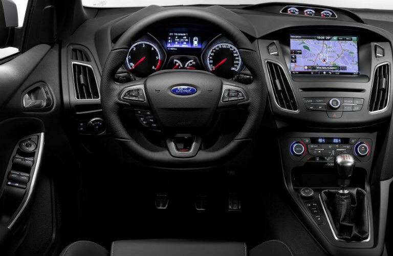 2016 Ford Focus ST interior technology and features