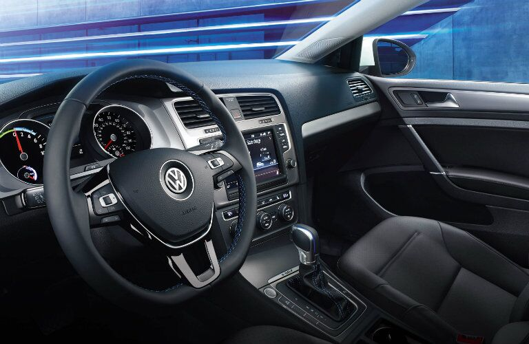 2016 Volkswagen e-Golf Thousand Oaks CA interior features and specs