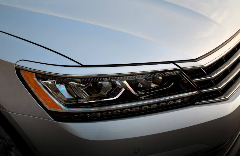 2016 Volkswagen Passat new headlight design